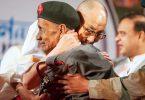 Dalai-Lama-y-reencuentro-con-guardia-Das