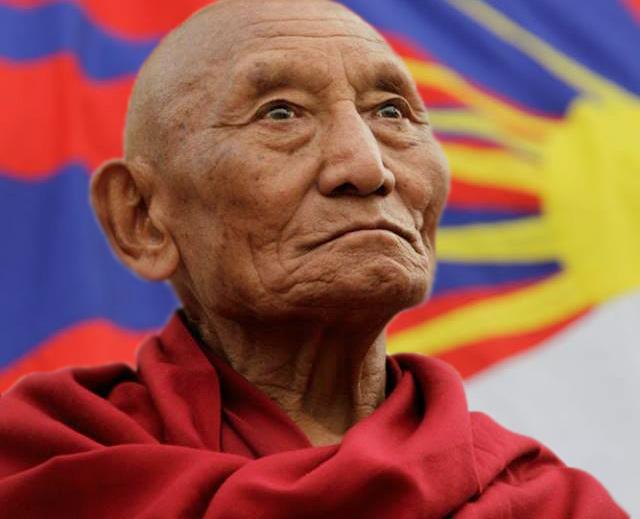 palden-gyatso-tibet-activist-tibetan-flag-news