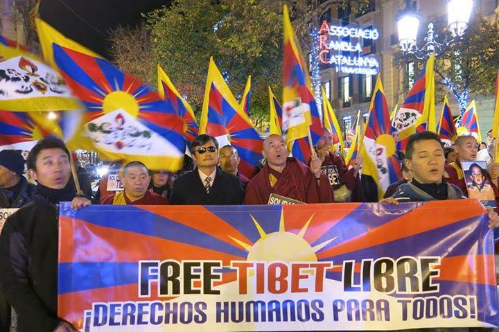 Marcha-en-Barcelona-en-el-Dia-de-los-Derechos-Humanos