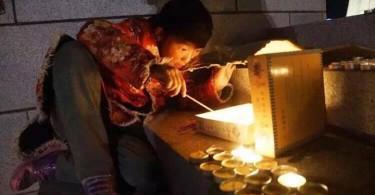 Tibetanos-solidarizan-con-victimas-en-Nepal