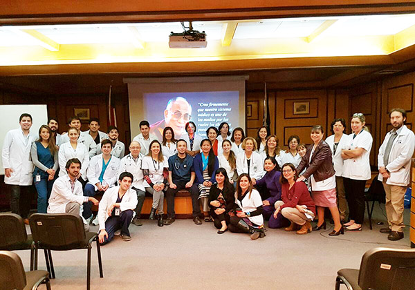 conferencia-hospital-carabineros-medicos-tibetanos-chile