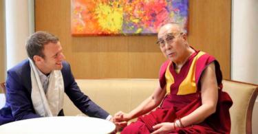macron-nuevo-presidente-francia-con-dalai-lama