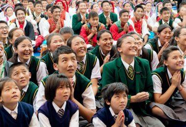 estudiantes-tibetanos-en-India_web